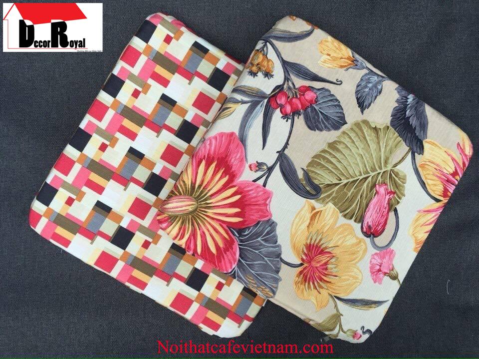 Nệm ngồi vải bố họa tiết hoa